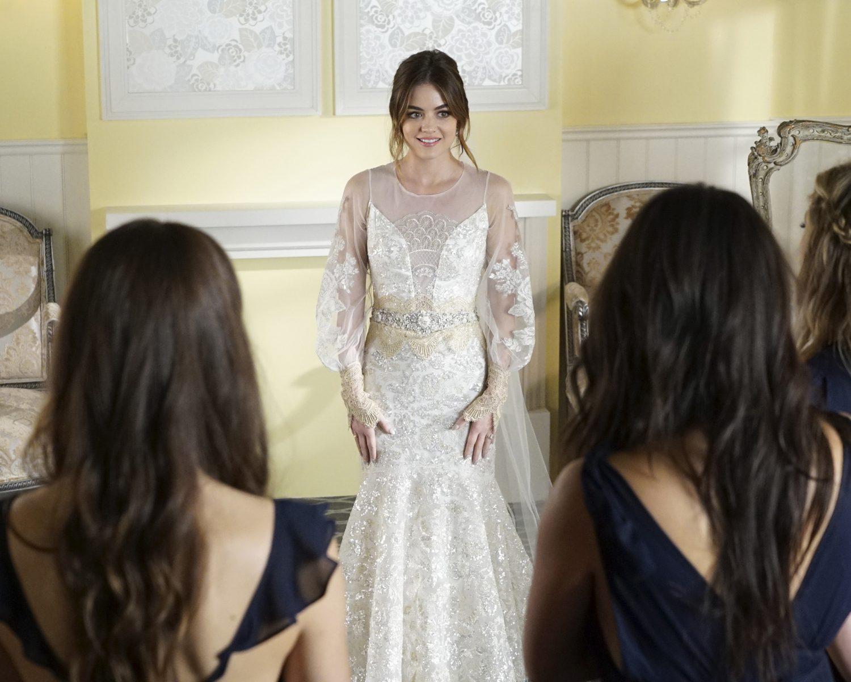 Pretty Little Liars Wedding Gown, Bridesmaid Dress Details