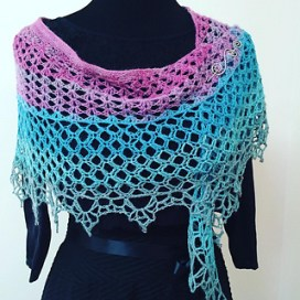 Dragonfruit Shawl in a gradient by gulickkr on Ravelry