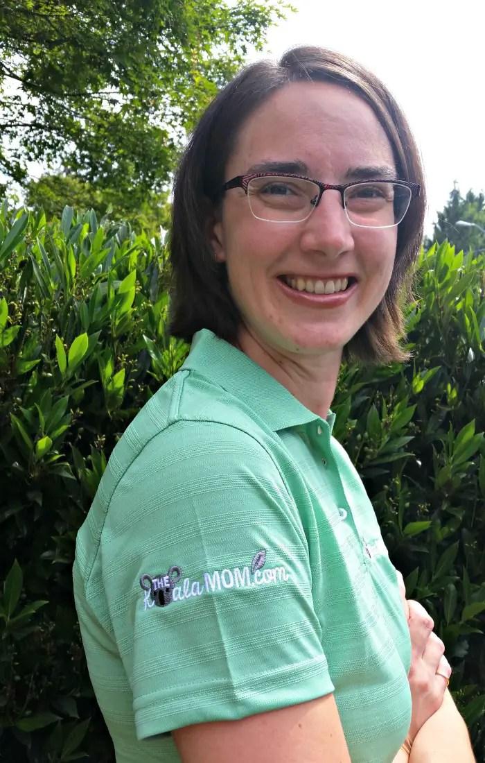 The Koala Mom green polo with a logo in the sleeve