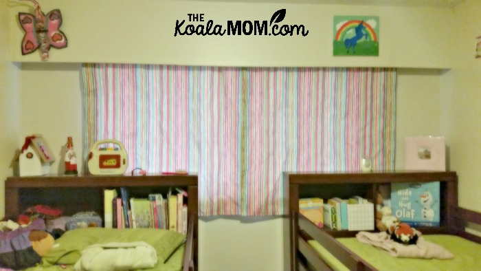 Curtains in the girls' room - an easy way to make a house your home