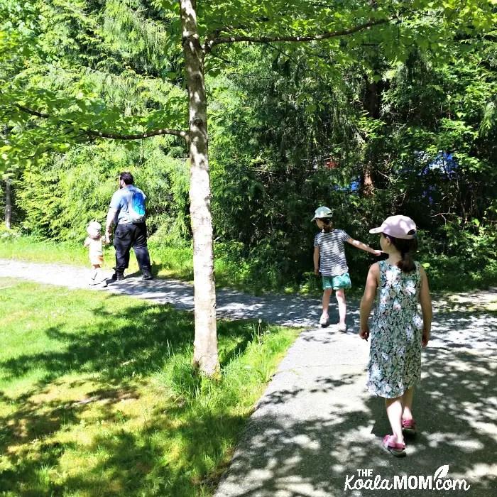 StartingStarting our Buntzen Lake hike our Buntzen Lake hike