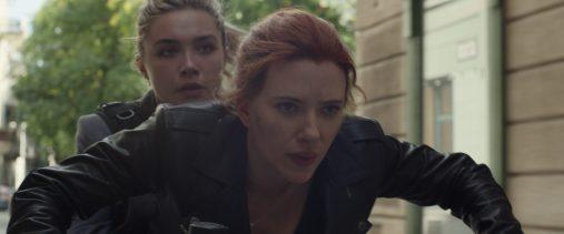 Yelena (Florence Pugh) and Natasha Romanoff (Scarlett Johansson)