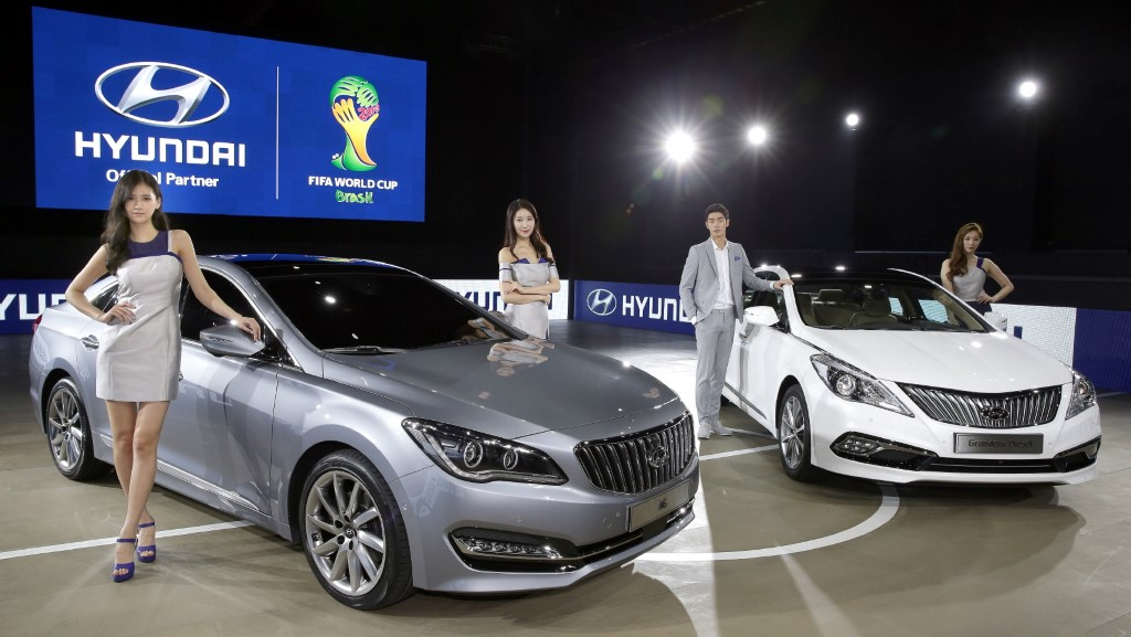 Hyundai Revealed AG Flagship Sedan Exterior Design At 2014