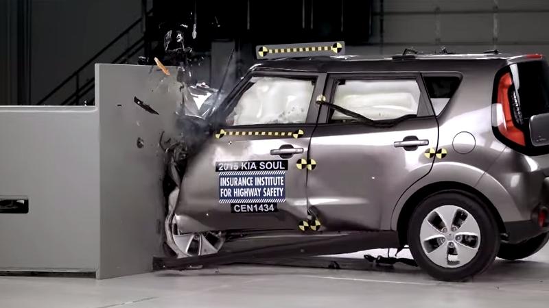 2015-kia-soul-small-overlap-crash-test