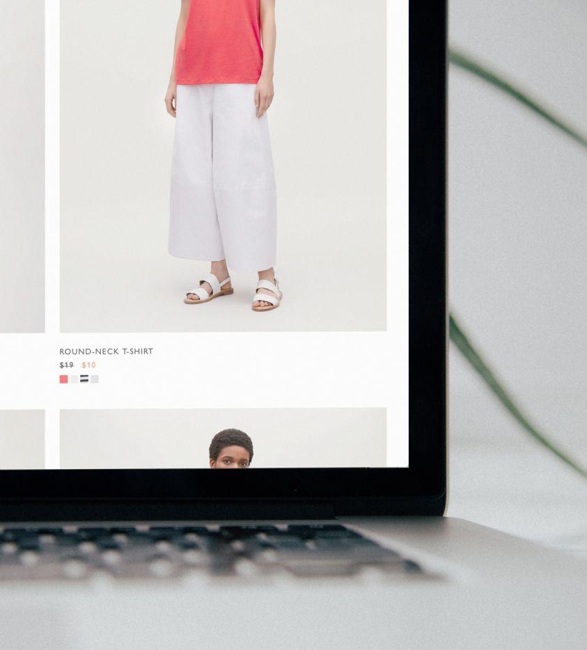 Website design red cover (Demo)