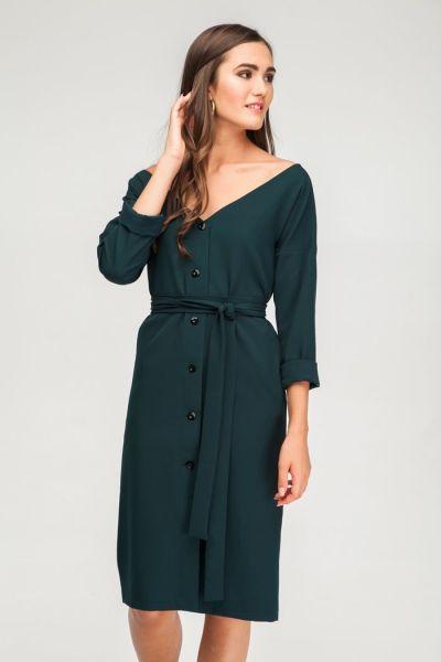 Платье со спущенными плечами изумрудное