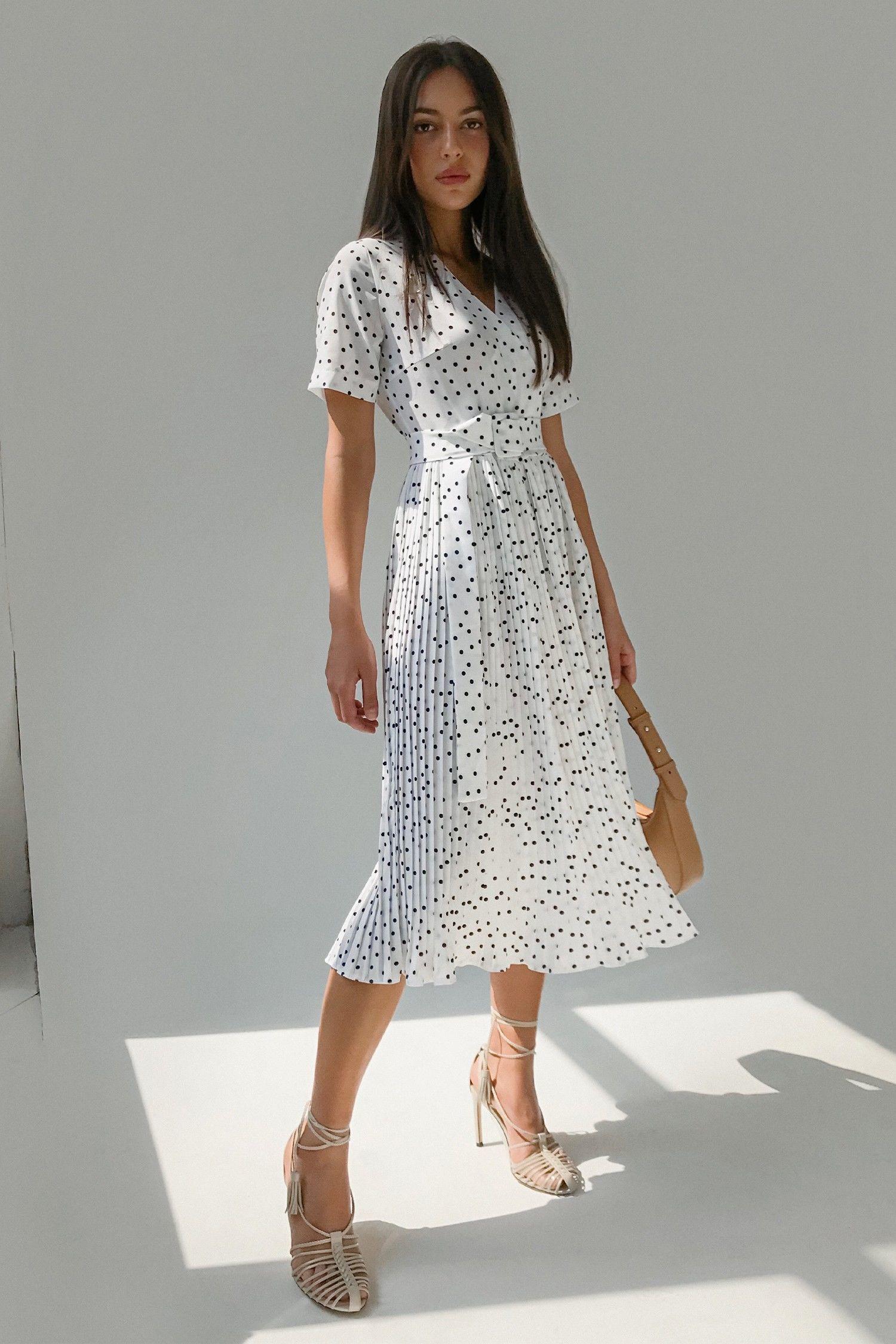 Платье с юбкой плиссе в горох белое - THE LACE