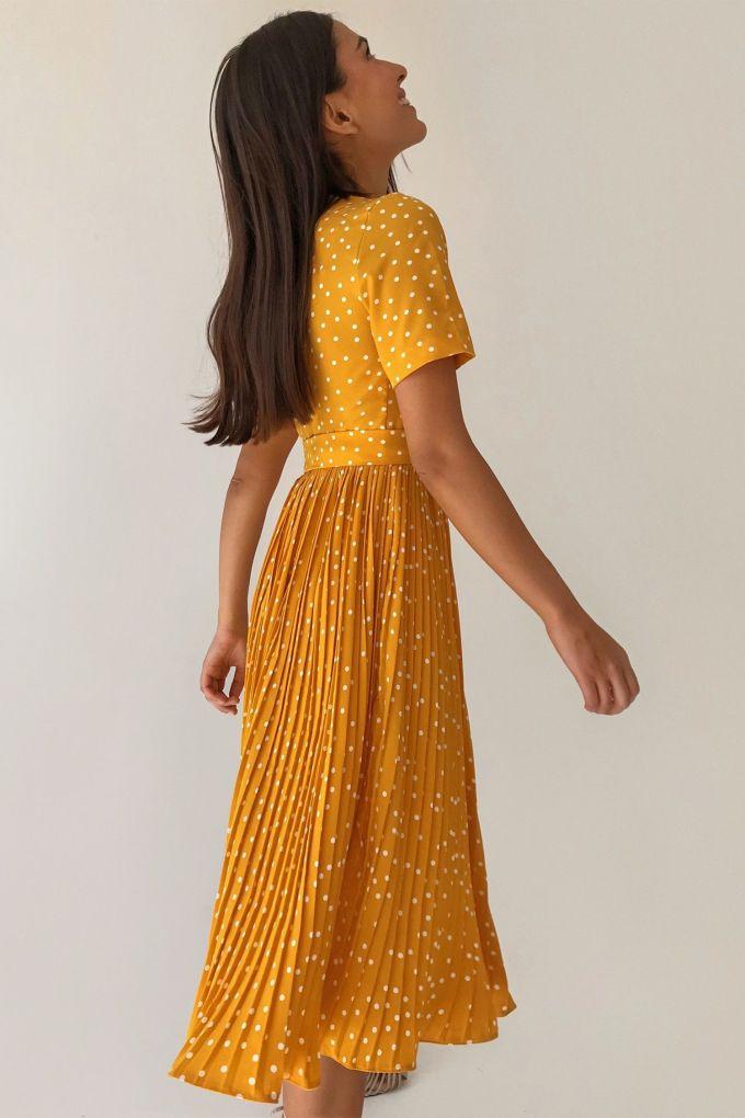 Платье с юбкой плиссе в горох жёлтое - THE LACE