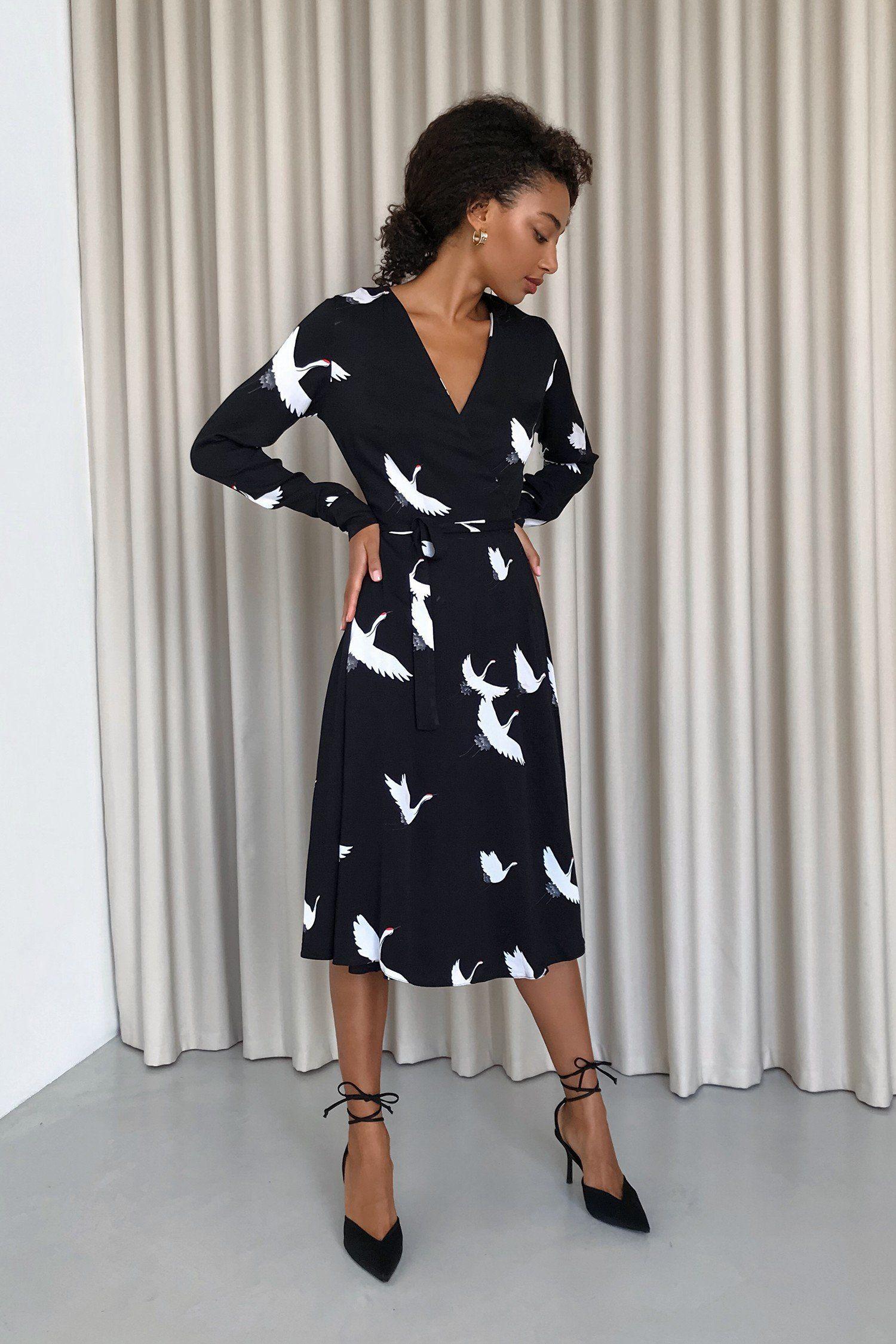 Платье миди на запах черное Sunbirds - THE LACE