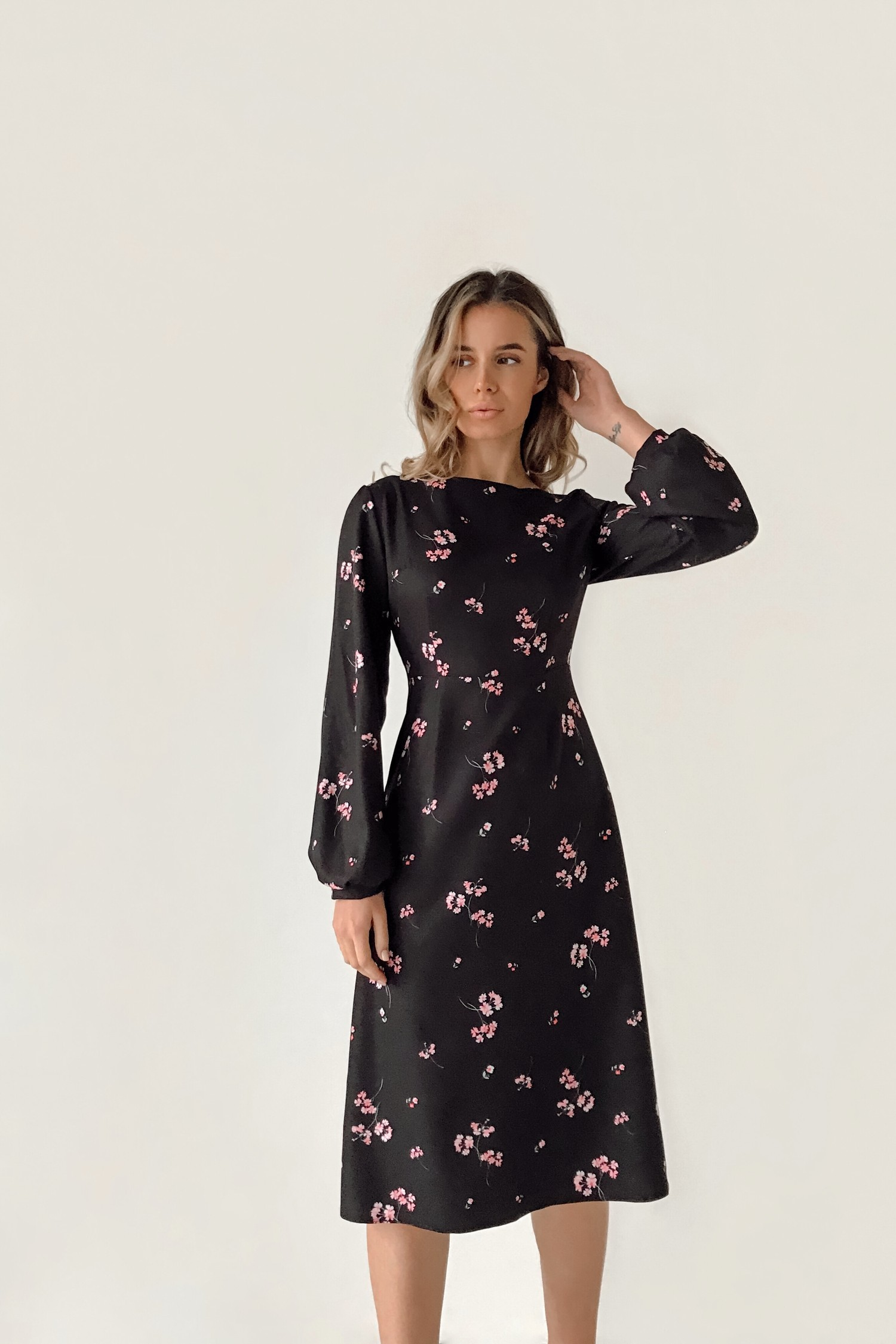 Платье миди черное Pink flowers - THE LACE