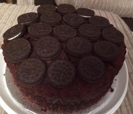 Giant Oreo chocolate cake
