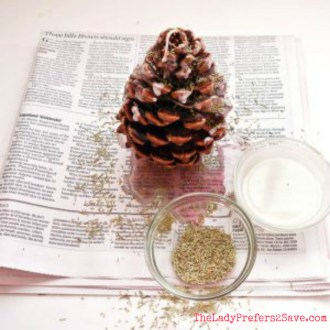 Tutorial Tuesday: DIY Aromatic Pine Cone Fire Starters!