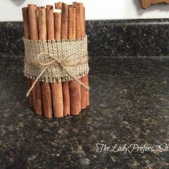 December No-Spend Month Challenge Day 16: Cinnamon Stick Candle Tutorial!
