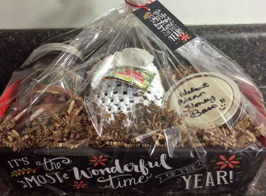 Honey-Inspired Holiday Gift Basket Ideas!
