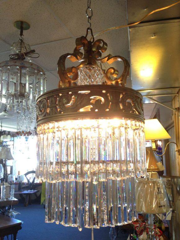 wedding-cake-crystal-chandelier