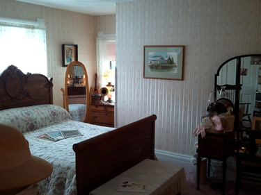 Ethel_Breed_room_02