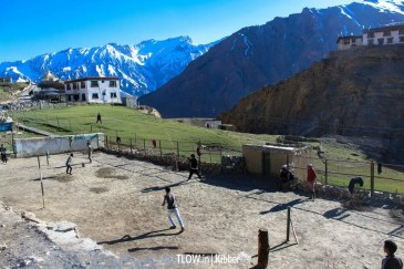 Kids playing cricket in Kibber
