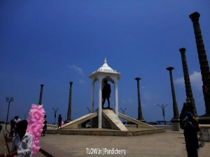 the-famous-gandhi-statue-in-pondicherry