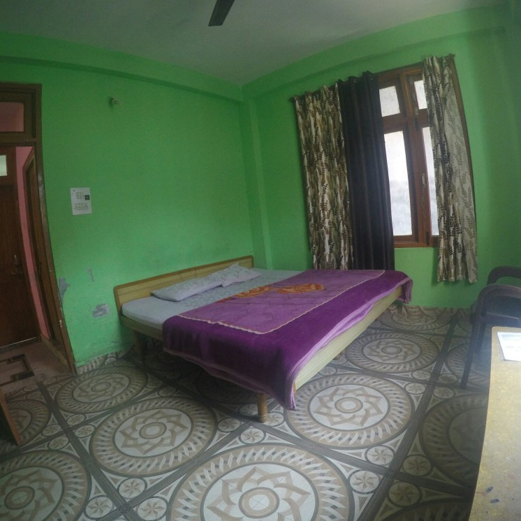 rooms in kasol for low cost