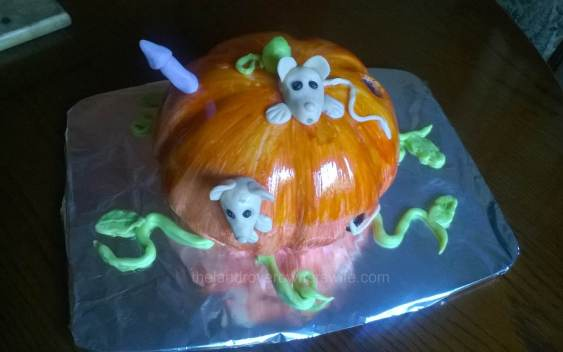 Pumpkin Mouse House cake 20141019 (6)