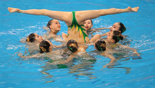 Slow-Olympics-Synchronized-Swimming-Sized