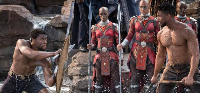 """""""Black Panther"""" digs its claws into viewers and doesn't let go"""