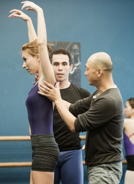 Award-winning choreographer Wen Wei Wang working with Coastal City Ballet dancers