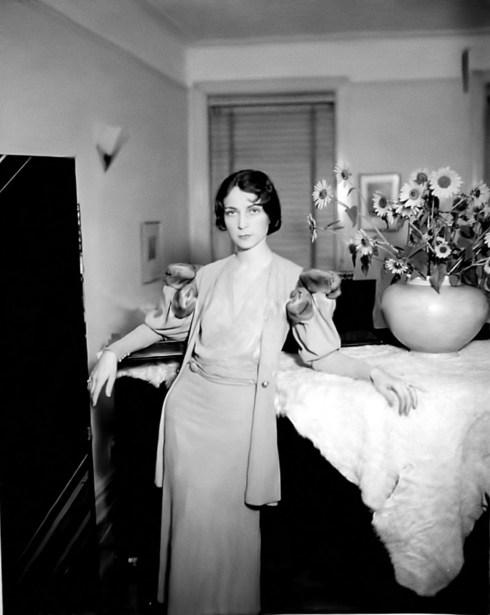 004-agnes-moorehead-theredlist-Agnes Moorehead, 1920s