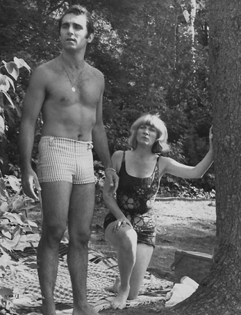 CapturFiles_28a ray and evelyn see Martha drowning
