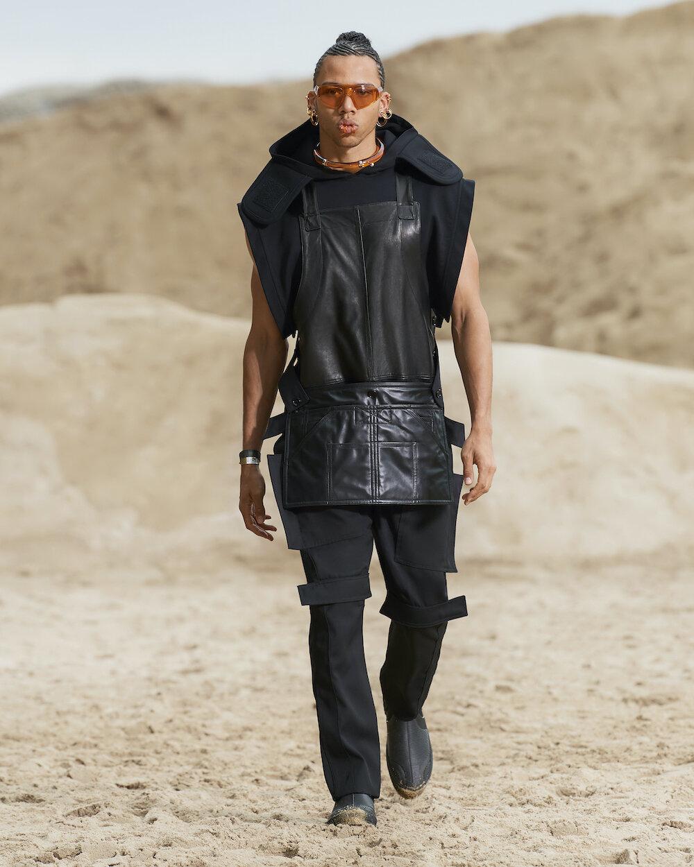 Burberry Spring_Summer 2022 Menswear Presentation Collection - Look 15 - Niclas.jpg