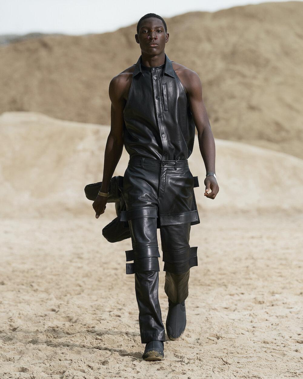 Burberry Spring_Summer 2022 Menswear Presentation Collection - Look 31 - Charles.jpg