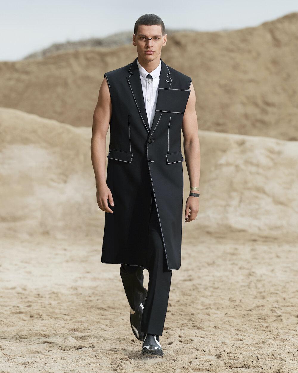 Burberry Spring_Summer 2022 Menswear Presentation Collection - Look 8 - Alvaro.jpg