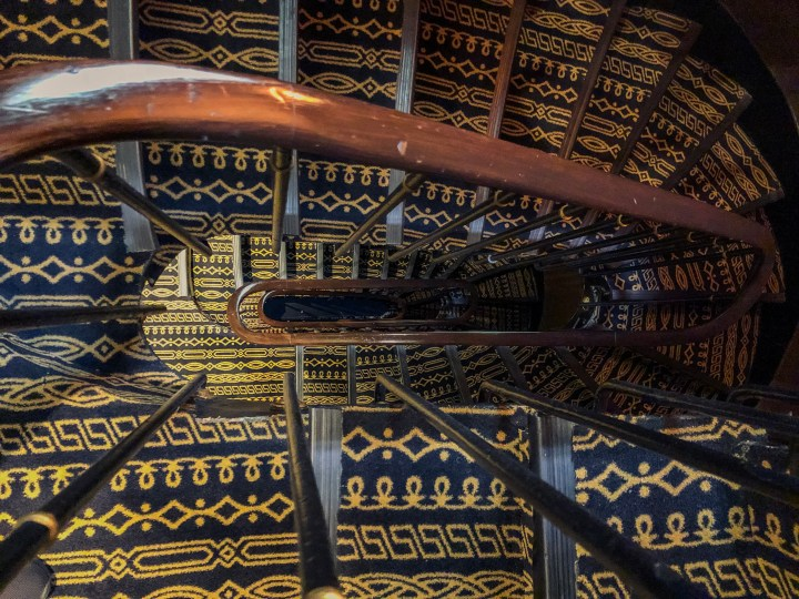 TwentyFivePlusFive Davinci Stairs