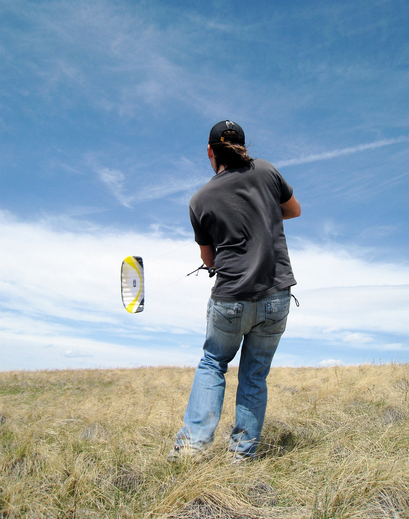 Kurt flying a 4m Scout power kite