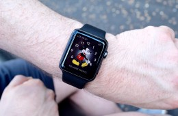 Apple Watch Mickey Mouse face