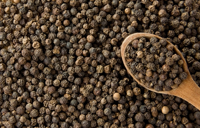 Terpene Profile: Caryophyllene, Source: http://theweightmonitor.com/Upload/THEWEIGHTMONITOR/Article/(24-04-2013)(10-06)bigstock-black-pepper-on-wo.jpg