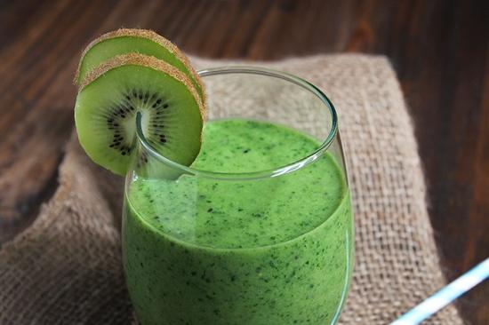 Creamy Kiwi Green Smoothie The Lean Clean Eating Machine