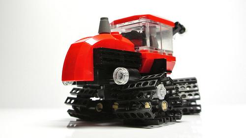 Red Tracks 01