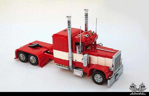 Lego Peterbilt 379 BricksonWheels RC