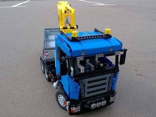 two-trucks-02
