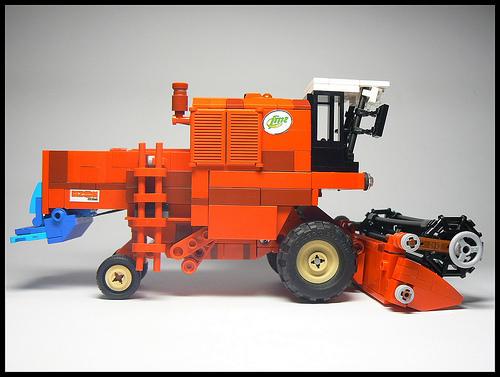 Lego Bizon Combine Harvester