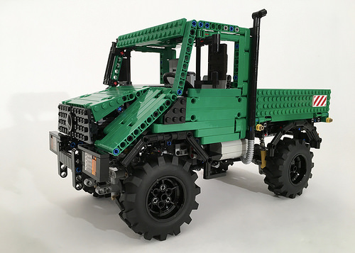 Lego Technic Mercedes-Benz Unimog U90 4x4