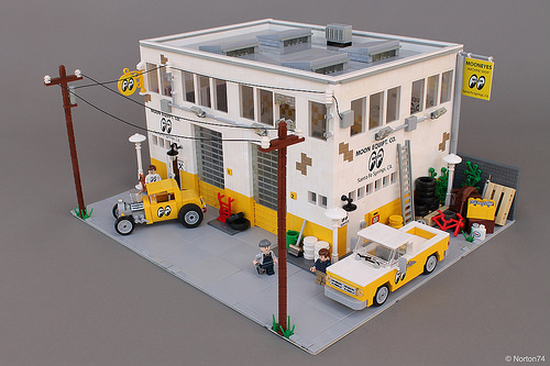 Lego Mooneyes Hot Rod Garage