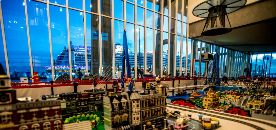 Lego Terminal at the Evening courtesy of Hamburg-Führer