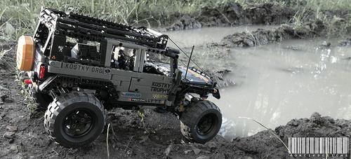 Lego Technic Jeep Wrangler 4x4 Remote Control Truck Trial