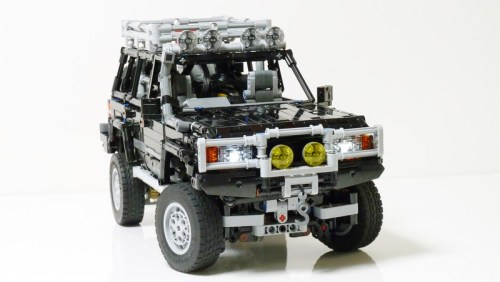 Lego Toyota Land Cruiser 80 RC