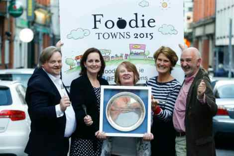 Burren takes top spot! Pictured (l-r) receiving The Restaurants Association of Ireland Foodie Towns 2015 Award was local business from The Burren Martin Waldron (Burren Escape), Tina O'Dwyer (The Burren Trail coordinator), Brid Fahy (Linnalla Pure Irish Ice Cream), Deborah Evers (Clareville House Kitchen Garden) and Donal Monaghan (Gleninagh Burren Lamb). © Conor McCabe Photography.