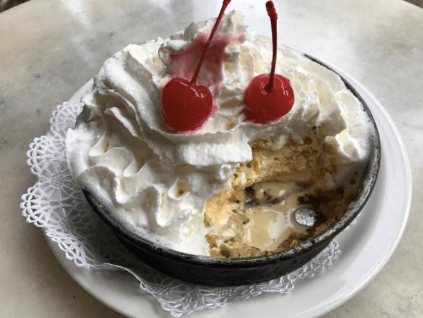 Let-Me-Eat-Cake-Lou-Malnati