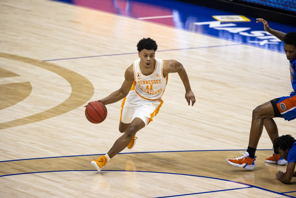 76ers draft Tennessee guard Jaden Springer with the 28th ...