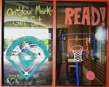 Summer Read & Learn display using window paint.